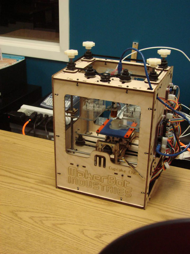 Maker_bot_web